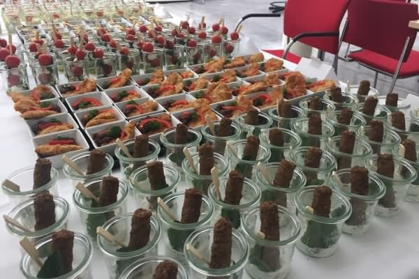 fingerfood_gemischtes4_messe_catering_400x600_web